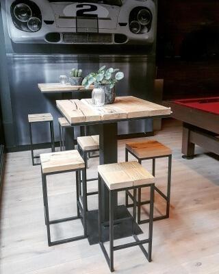 Barkruk Set Met Tafel.Complete Set Bartafel 70x70x100 Met 4 Barkrukken Tlf Interieurs